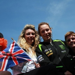 "<p><span>Please email any photos of you with Bradley to </span><a href=""mailto:contact@bradleysmith38.com"">contact@bradleysmith38.com</a></p>"
