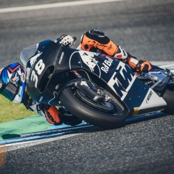 <p>Photos courtesy of <strong>KTM Factory Racing - ©Romero S</strong></p>