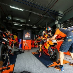 <p>Photos courtesy of<span>&nbsp;</span><strong>KTM Factory Racing - <strong>©Chippy Wood</strong></strong>