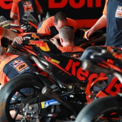 <p>Photos courtesy of<span>&nbsp;</span><strong>KTM Factory Racing - <strong>©Gold and Goose</strong></strong>