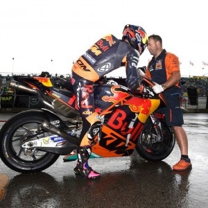 Red Bull KTM Factory Team fights through wet conditions