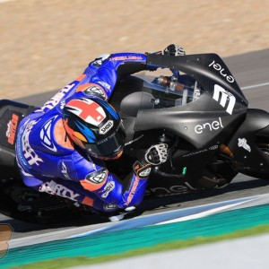 Bradley Smith dominates opening test for MotoE World Cup